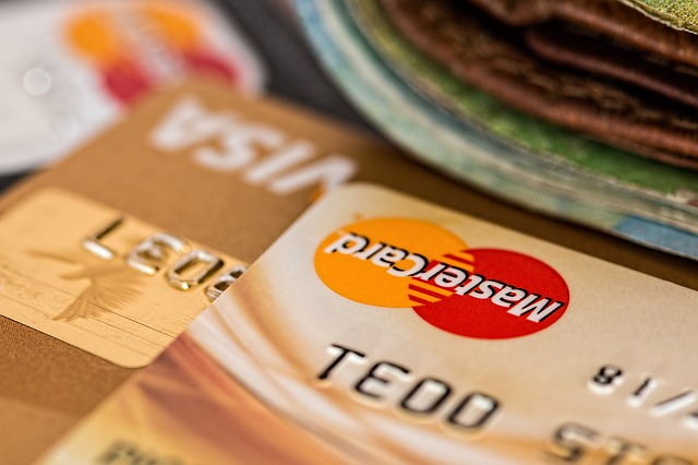 Shopper's Mind research: Why Slovenians do not pay with credit cards in Slovenian online stores?