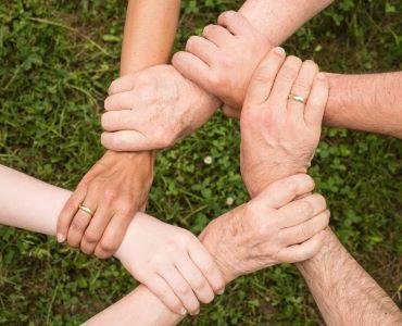 Civilna zaščita in predstavniki zdravstvene stroke uživajo najvišje zaupanje javnosti v času epidemije